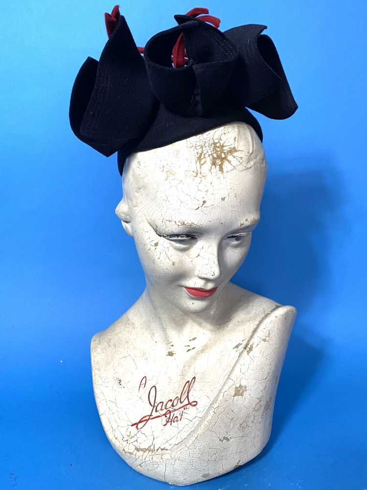 1940s skull cap with sculpted bows - image 2