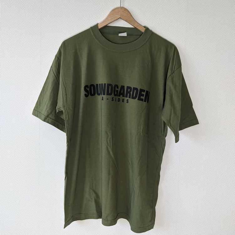 Band Tees × Rock Tees × Vintage 1997 Soundgarden … - image 4