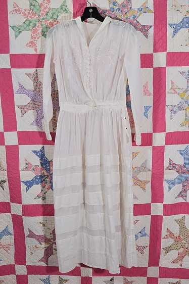 Antique Edwardian Lawn Dress, Embroidered Details - image 1