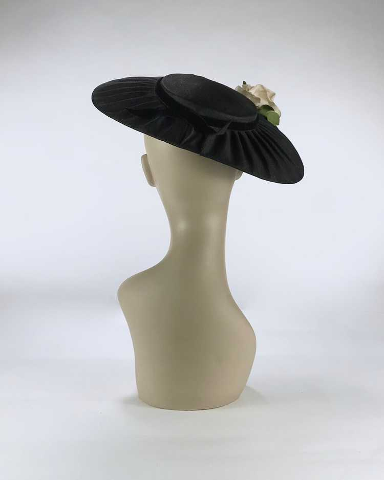 1940s/50s Black Platter Hat with Flowers - image 6