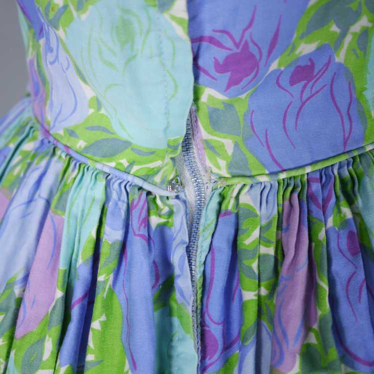 50s FLORAL ROSE DRESS IN BLUE, GREEN AND LILAC CO… - image 11