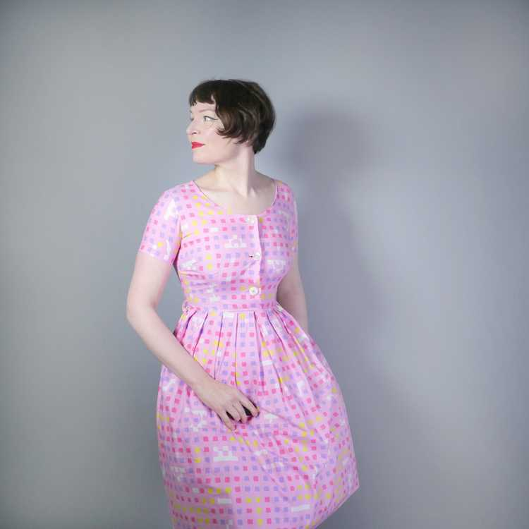 """50s 60s """"BANNER"""" PINK COTTON DAY DRESS WITH PASTE… - image 2"""