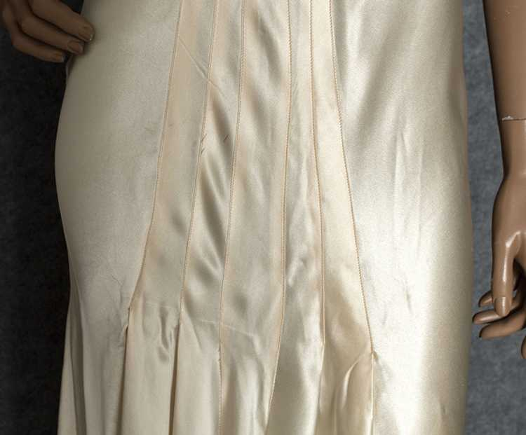 Hollywood style, bias-cut charmeuse nightgown, 19… - image 4