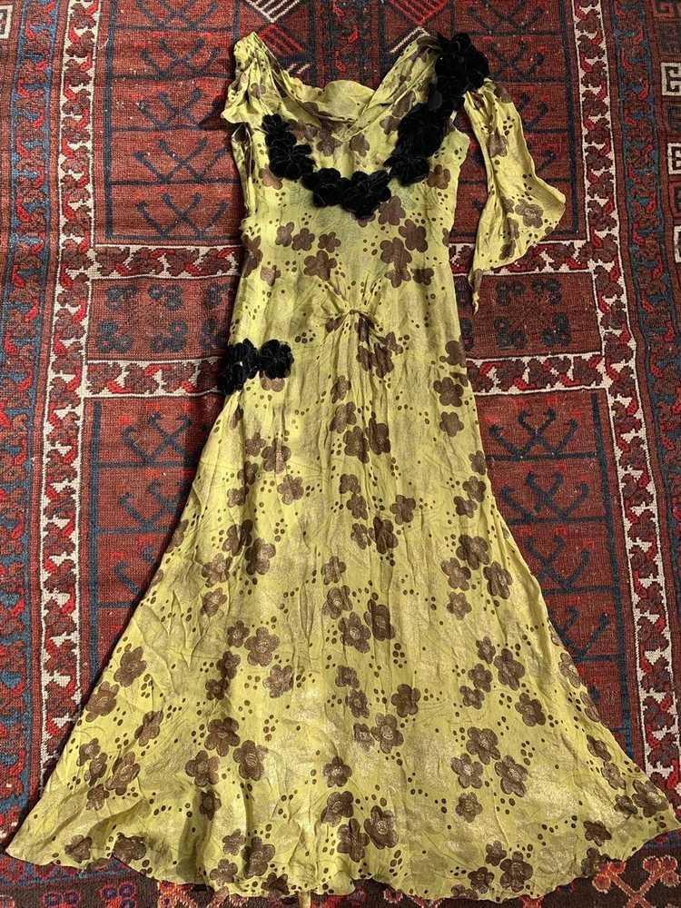 1930s Chartreuse Lamé Gown - image 11