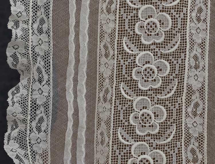 Embroidered lace dickey, 1930s - image 3