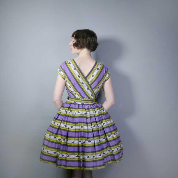 50s MID CENTURY PRINT PURPLE AND LIME STRIPED DOU… - image 3