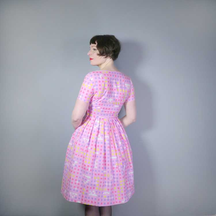 """50s 60s """"BANNER"""" PINK COTTON DAY DRESS WITH PASTE… - image 3"""